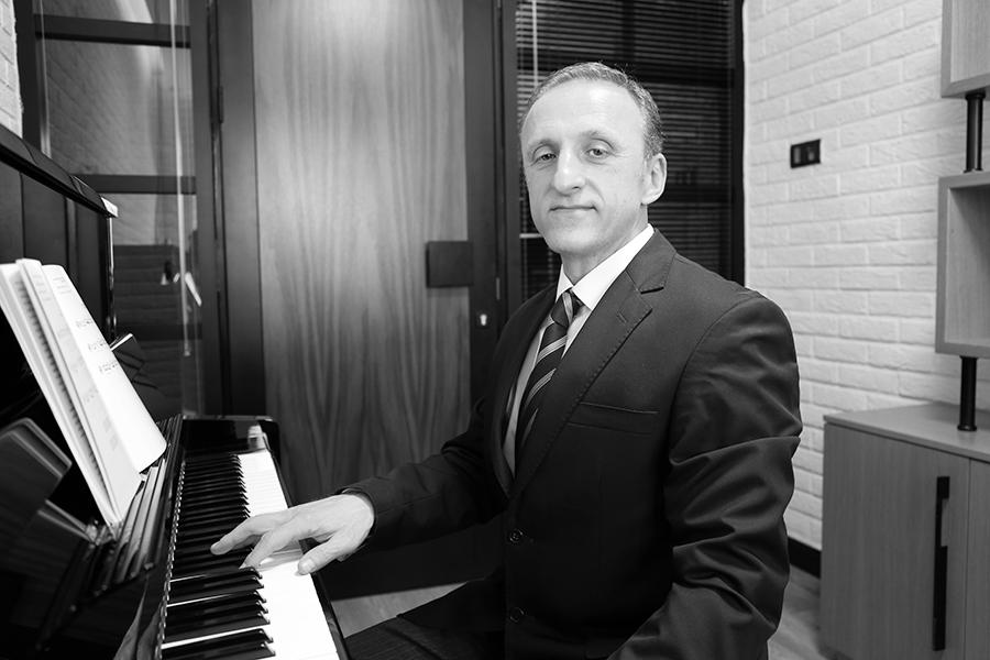 Doç. Dr. Ivan CELAC